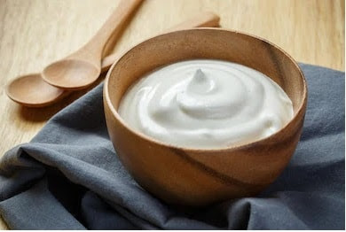 Yogurt: Natural moisturizer