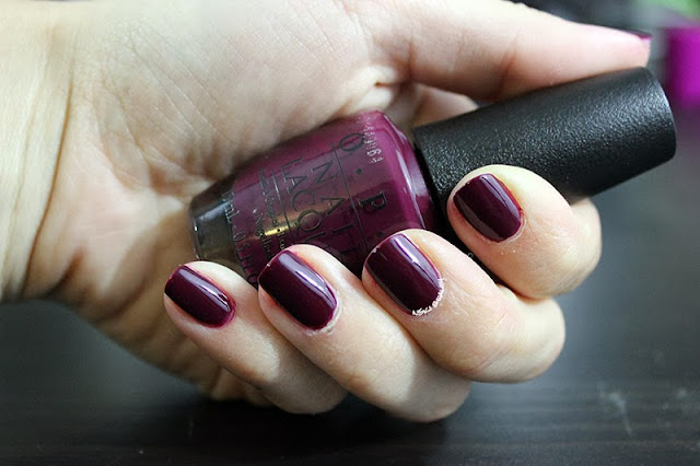 Mani Tuesday Opi In The Cable Car Pool Lane Amp Essie