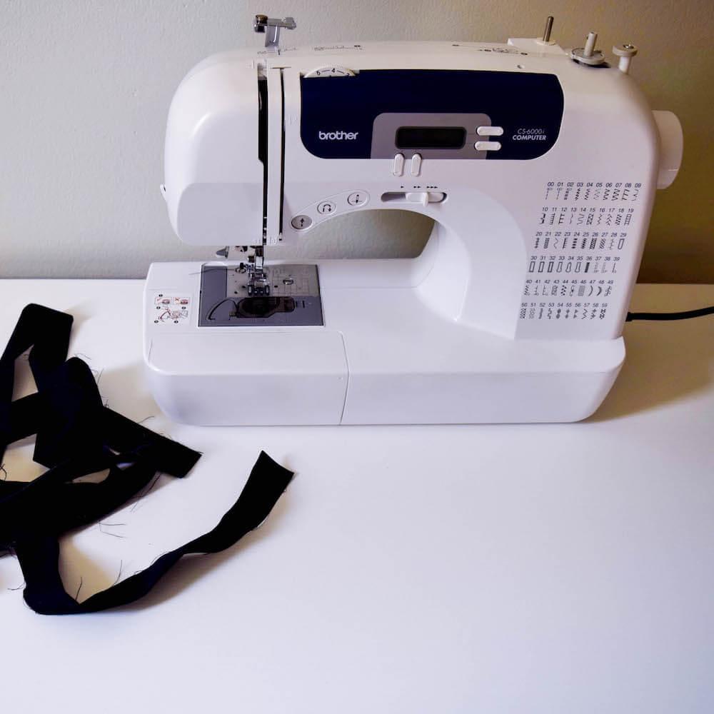 black quilt binding sewing machine