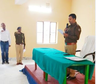 dhanbad-police-take-constitution-oath