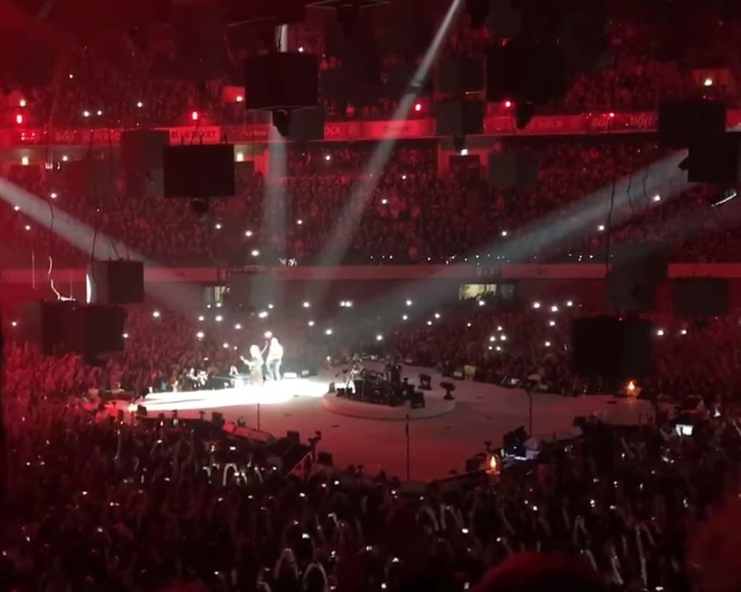Altice Arena Ontem Noite O Concerto Era Dos Metallica Mas De Repente James Hatfield Da Banda Heavy Metal Norte Americana Originria Los