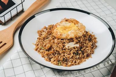 sepiring nasi goreng sehat dan lezat