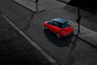 2021 Nissan March Preview-928x522%2B%252817%2529