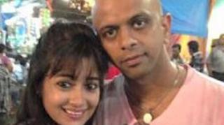 Foto Tina Dutta dengan Paresh Mehta