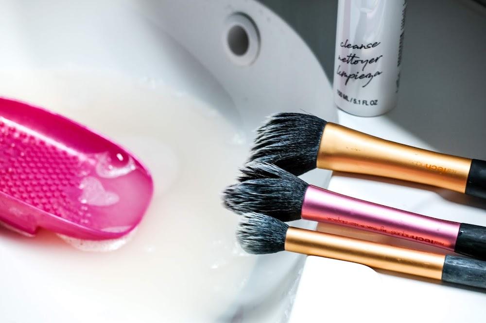 schnell und einfach Makeup Pinsel reinigen
