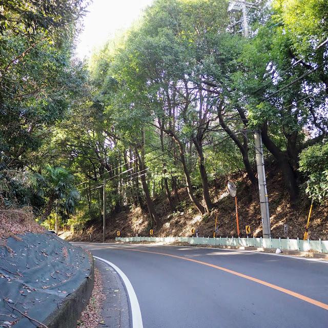 鶴川街道の峠のピーク