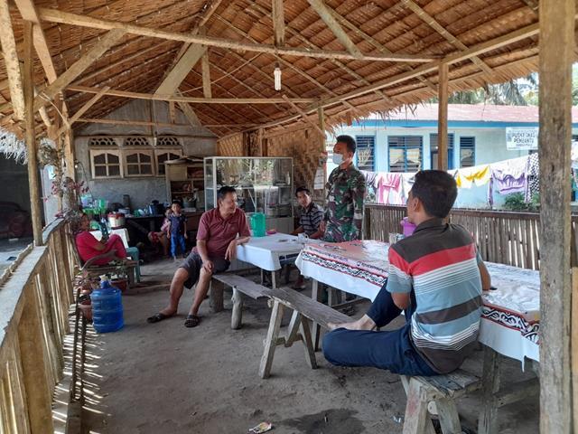 Dengan Cara Komsos Diwilayah Personel Jajaran Kodim 0207/Simalungun Himbau Taati Protokol Kesehatan