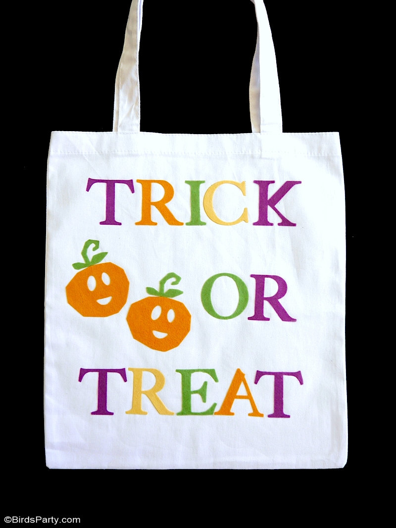 DIY No-Sew Halloween Trick or Treat Tote Bags - easy craft project for Halloween treat bags using a Sizzix Big Shot Machine and die cuts! by BirdsParty.com @birdsparty #diy #halloween #totebags #halloweendiy #halloweencrafts #halloweentreatbags #halloweentotebags #sizzix #bigshotmachine