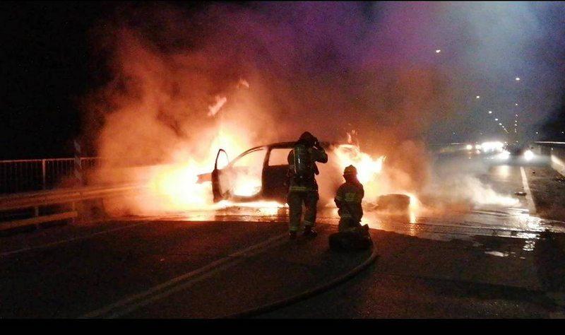 Caótica noche en Laja por robo de cajero automático