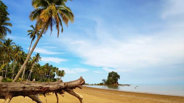 Batu Lamampu Beach, East Kalimantan