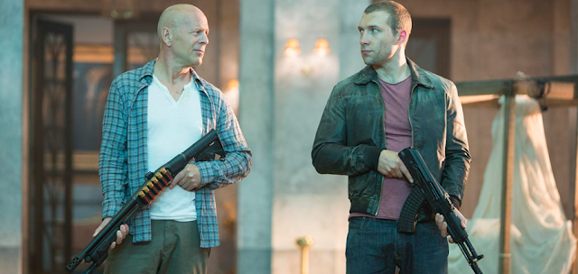 Bruce Willis şi Jay Courtney în filmul A Good Day To Die Hard