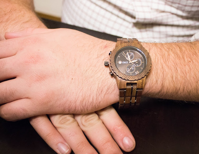 "<img src=""IMG_4751.jpg"" alt=""JORD Conway Walnut and Jet Black Watch"" title=""Conway Walnut and Jet Black""/>"