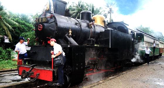 Kereta api mak itam di kota sawahlunto sumatera barat