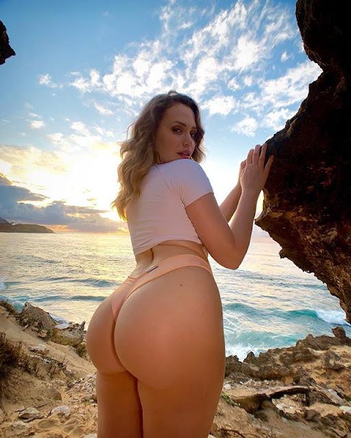 Mia Malkova Hot & Sexy Pics