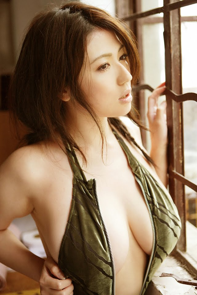 Busty gravure japanese model