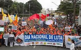 Uma grande manifestação em Brasilia a capital do Brasil.