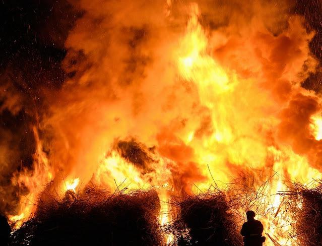Cek Fakta : Rumah Ketua DPR RI Puan Maharani Dibakar Masa Aksi Penolakan UU Cipta Kerja di Malang