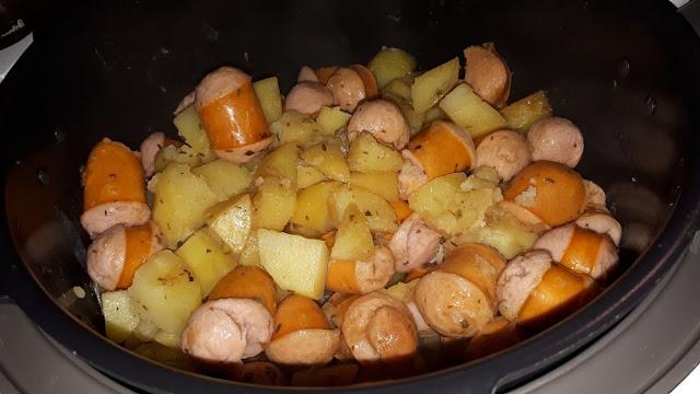 وصفة البطاطس والنقانق