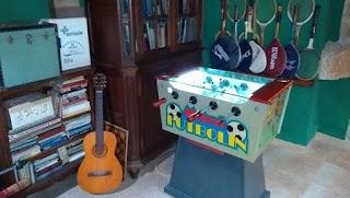 El salón de juegos de la casa rural Thiar Julia.