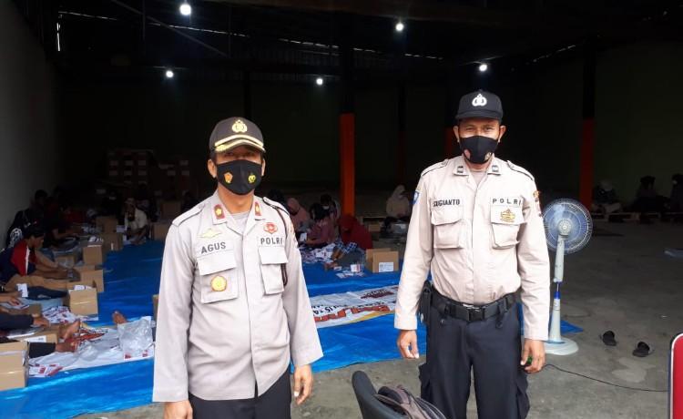 Pastikan Keamanan, Kapolsek Cipocok Jaya Cek Proses Pelipatan Surat Suara