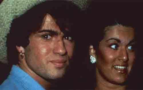 George Michael dengan saudara perempuannya, Melanie Panayiotou selama tahun 1980-an. Photo courtesy CNN.COM