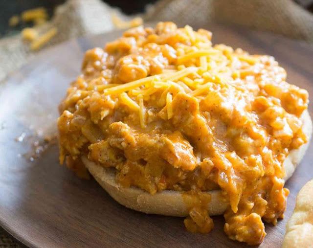 Easy Buffalo Chicken Sloppy Joes #chicken #sandwich
