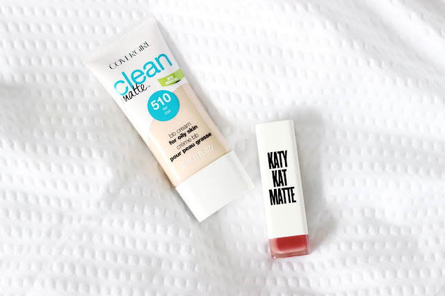 CoverGirl Clean Matte BB Cream y Katy Kat Matte