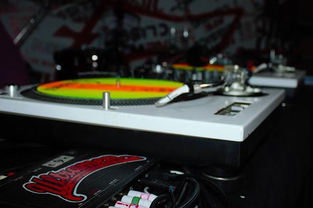 Ensaio fotográfico registra a Tour Tente Enxergar da banda Ultramen
