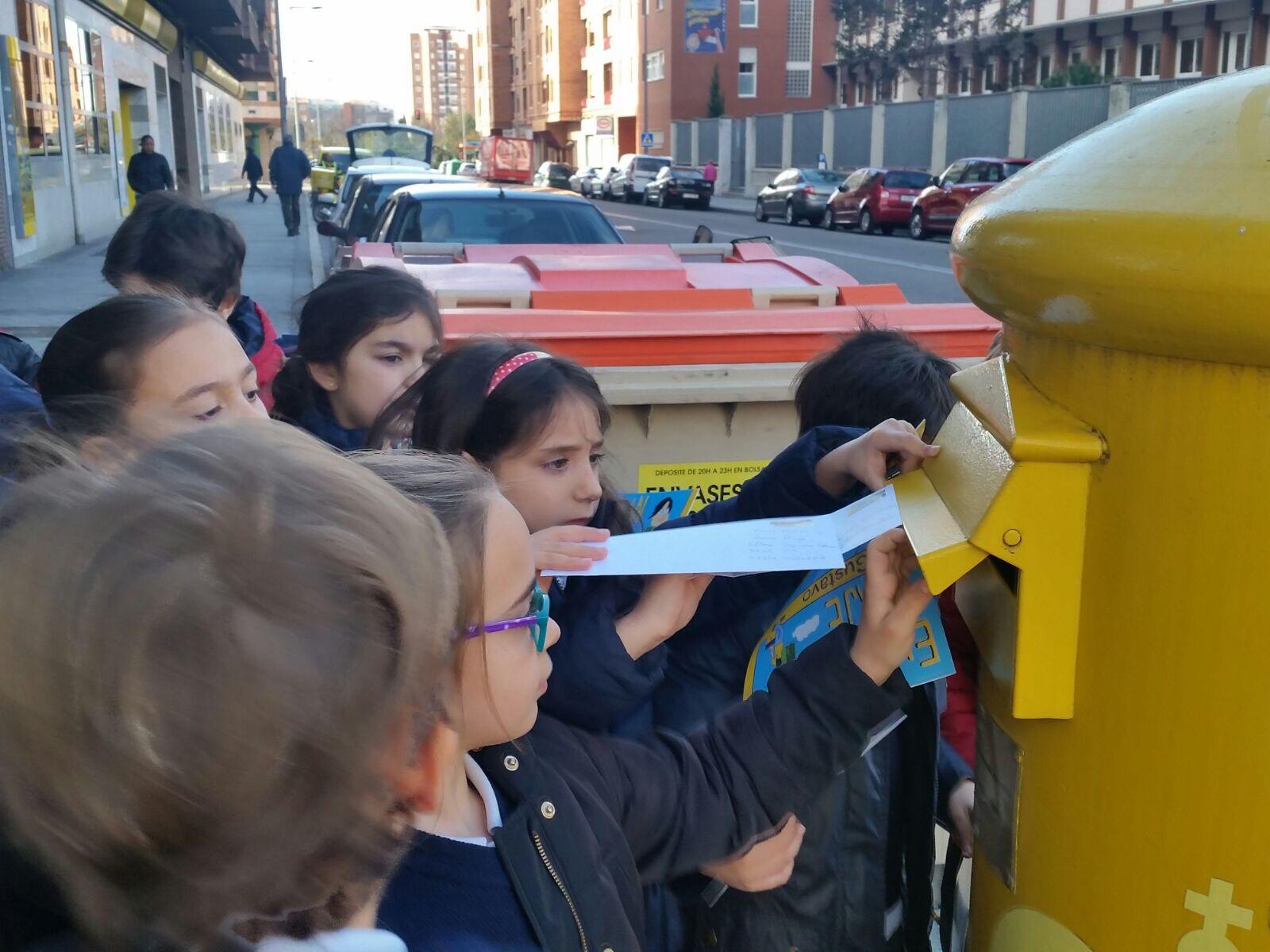 Agustinas Valladolid - 2017 - Primaria 2 - Enviamos una carta - Miralrededor 3