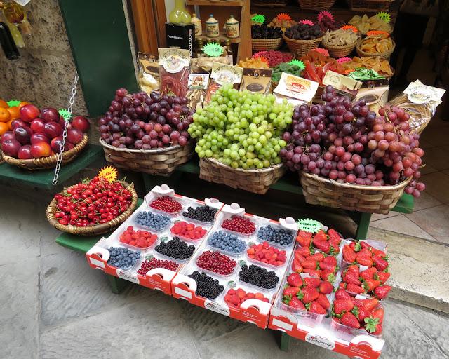 Fruit on display, Via di Città, Siena