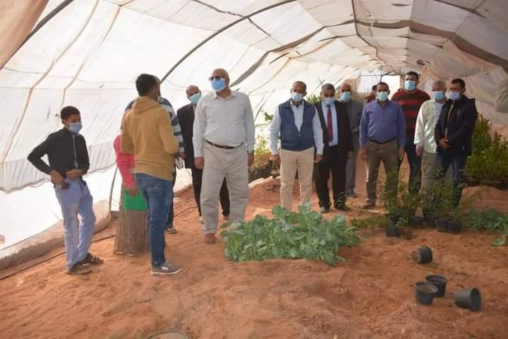 الزملوط يتفقد مشروع الصوب الزراعية وسوق قرية الشيخ مرزوق بمركز بلاط