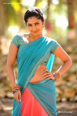 Kamalinee Mukherjee Hot Saree Pictures