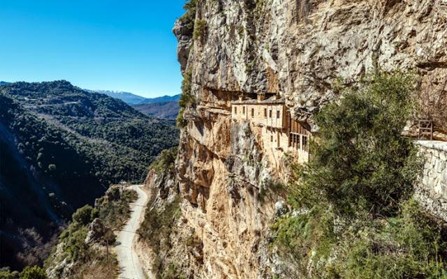 Μονή Κηπίνας, το μοναστήρι μέσα στο βράχο που προκαλεί δέος