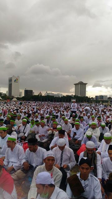 FOTO: Merinding! Suasana Terkini Barisan Peserta Aksi Bela Islam 3 Di Monas