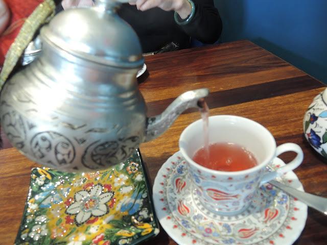 turkish apple tea;  the turkish tea house