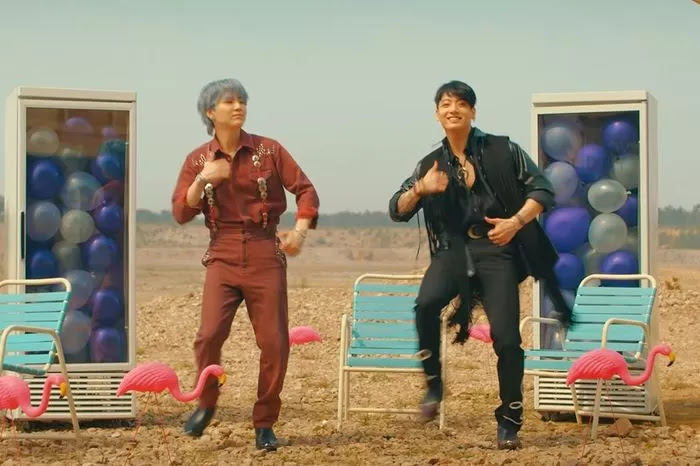 BTS hides a special sign language message in 'Permission to Dance' MV -  KpopHit - KPOP HIT