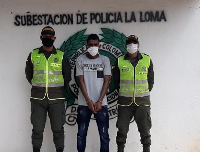 hoyennoticia.com, ¡ Atracó a un vigilante de La Loma con un machete !
