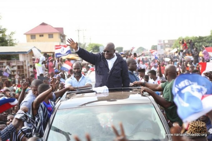 Akufo-Addo picks forms to contest NPP presidential primaries