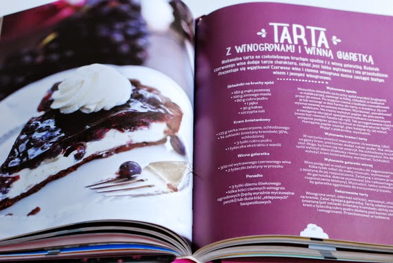 Tarta z winogronami i winną galaretką