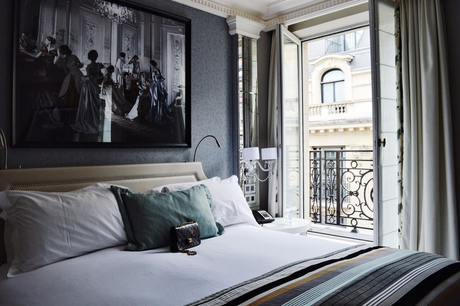 our stay at sofitel paris le faubourg xmyde. Black Bedroom Furniture Sets. Home Design Ideas