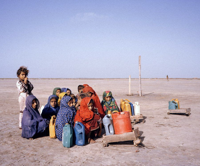 Children journey to collect water, Sindh Province, Pakistan