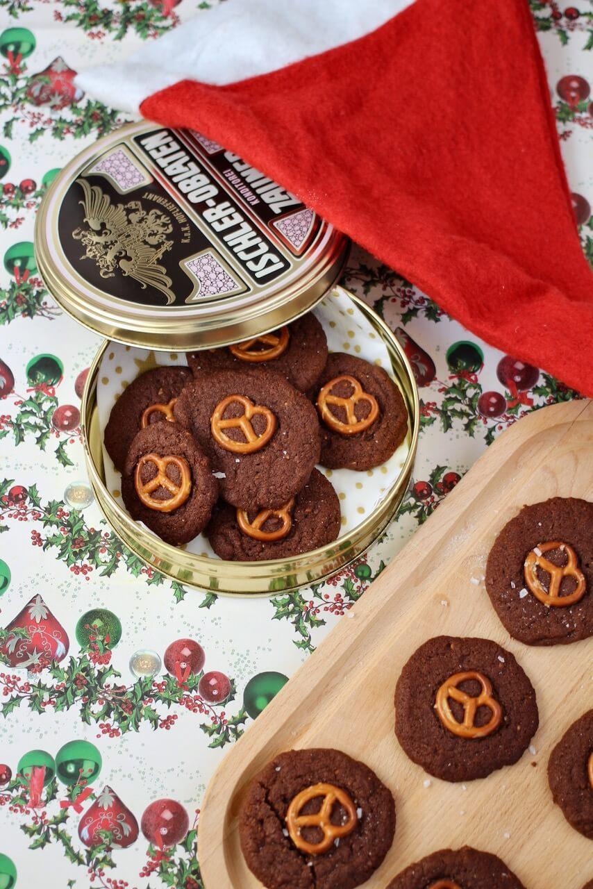 Brezel-Kekse mit Schokolade
