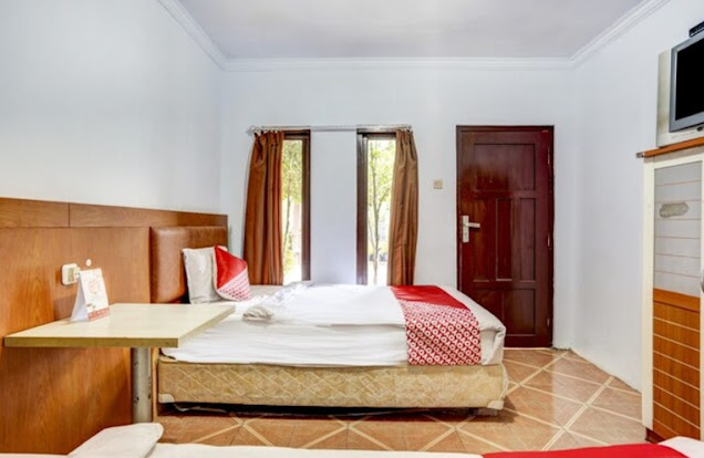 Daftar Hotel Dekat WBL Paciran Lamongan. Oyo 3710 Izzi Hotel