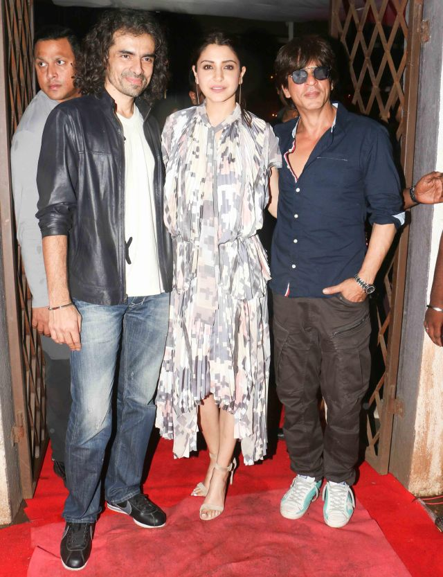 Anushka Sharma Shah Rukh Khan Dinner Meet In Pvr Mumbai
