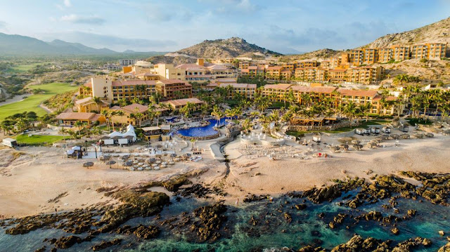 Exclusivity, Mexican luxury, and sophistication in every detail awaits you at Grand Fiesta Americana Los Cabos All Inclusive Golf & Spa. An incredible destination. Unrivalled hospitality that invites you to enjoy its restaurants, spa, and elegant spaces.