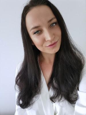 A toto som ja s mojimi suchými a vlnitými vlasmi
