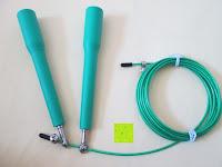 Erfahrungsbericht: Speed-Rope »Rapido« / High-Speed Springseil / 360° Kugelgelenk mit verstellbarem Drahtseil / in vielen Farben erhältlich