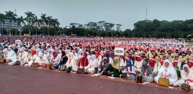 Panglima TNI Gandeng Ulama Peringati Hari Kemmererdekaan Ke-72 RI