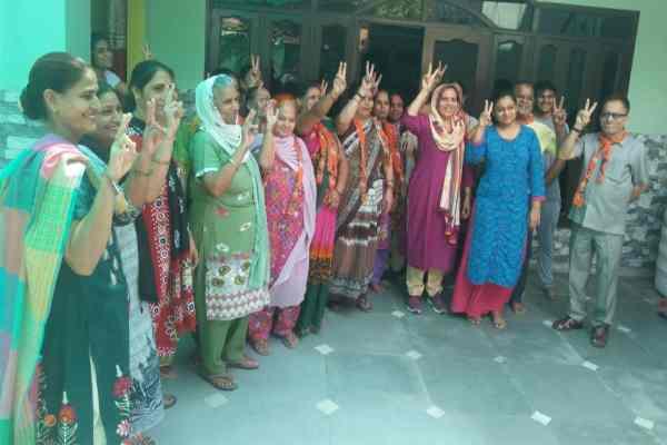 faridabad-nit-86-vidhansahba-yashvir-dagar-wife-darshna-dagar-news