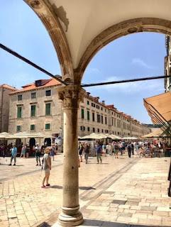 Riitta reissaa, Dubrovnik, Stradun